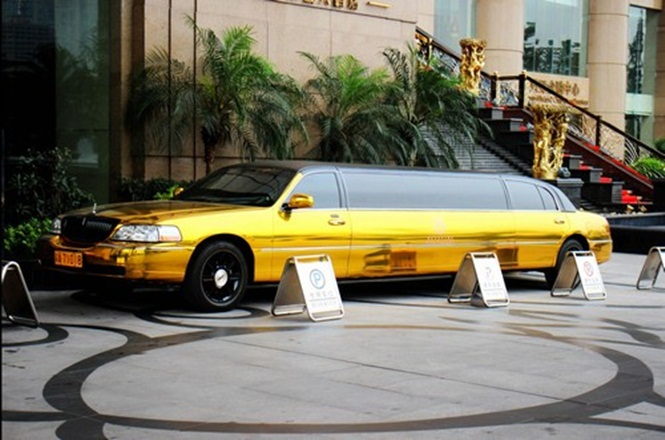 Hotel na China oferece aluguel de Limousine de ouro