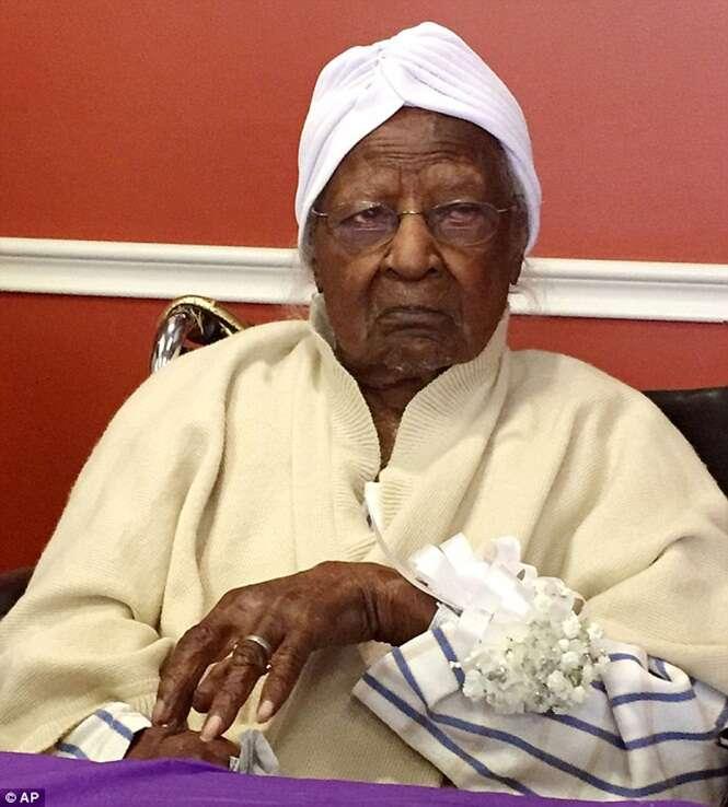 Mulher mais velha do mundo morre aos 116 anos