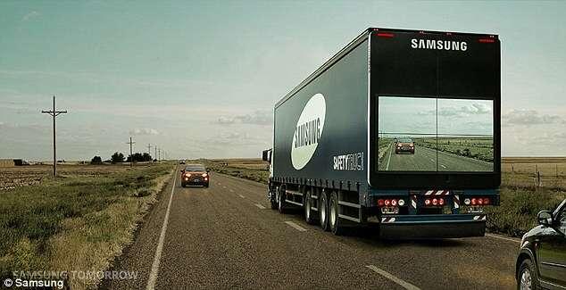 Nova tecnologia da Samsung permite a motoristas enxergarem trânsito através de caminhões graças a telas enormes