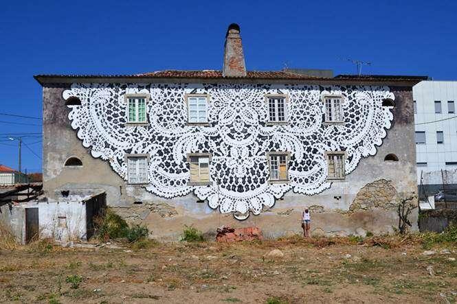 Renda como arte de rua