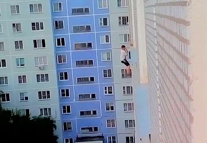 Rapaz desce de rapel para tentar surpreender mulher amada e fica pendurado no 8º andar de edifício