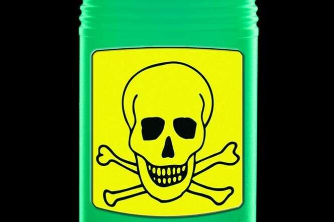 Menino de 2 anos morre depois de seus pais colocarem álcool industrial em suas axilas