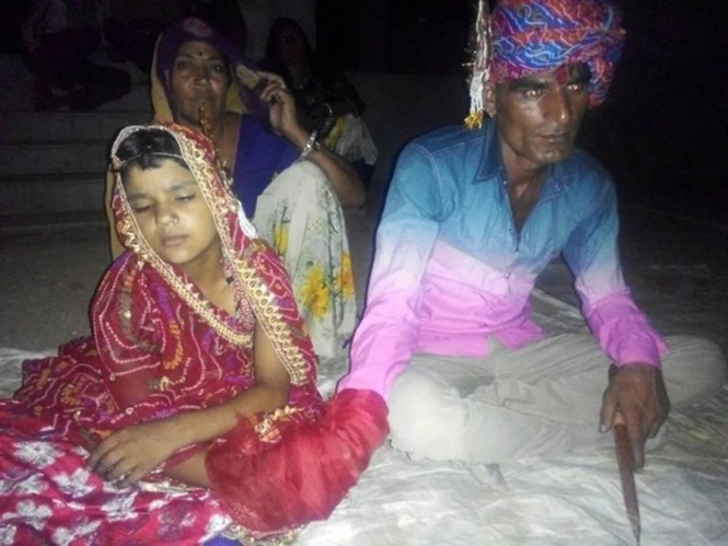 Polícia prende homem de 35 anos após fotos dele se casando com menina de 6 começarem a circular na web