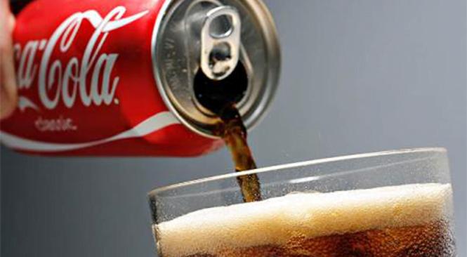 Descubra o que a Coca-Cola faz em seu corpo