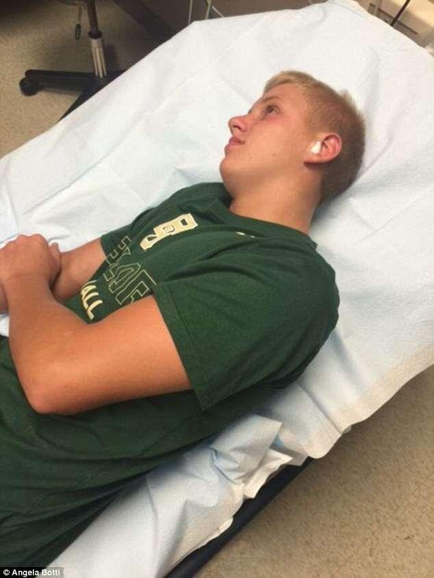 Adolescente acorda com dor insuportável em ouvido e retira centopeia de dentro da região