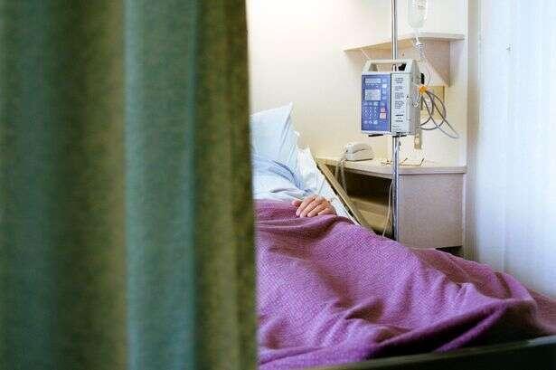 Mãe leva filha às pressas a hospital e garota é estuprada por enfermeiro