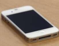 Radiação de telefone celular pode causar câncer, afirma estudo