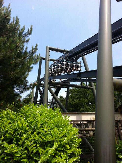 Passageiros ficaram de cabeça para baixo em montanha-russa