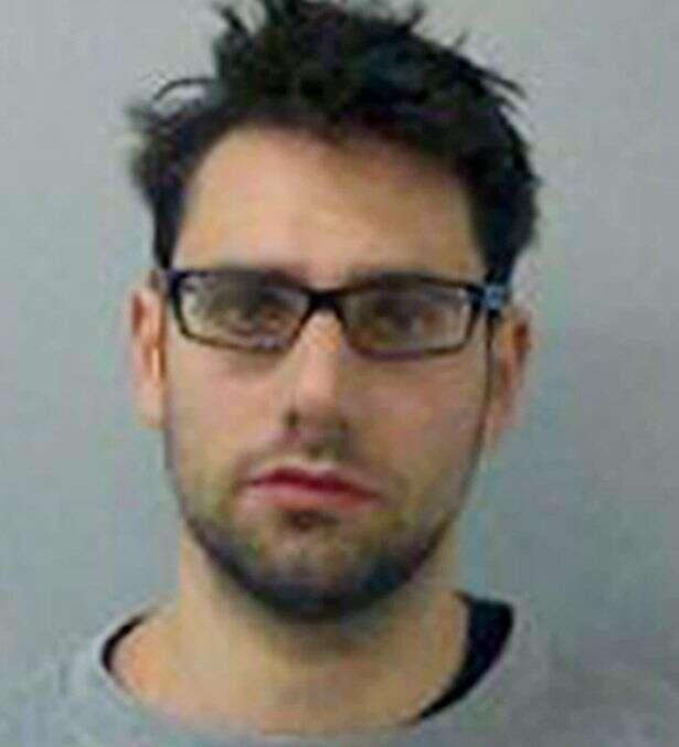 Andrew Hutchinson, uma enfermeira que admitiu ter estuprado três mulheres