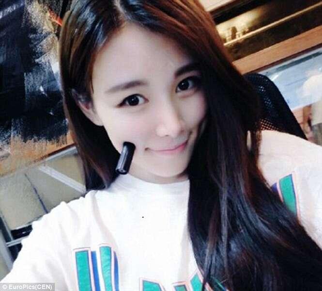 Nova mania desafia internautas a manterem tampas e canetas em equilíbrio no rosto