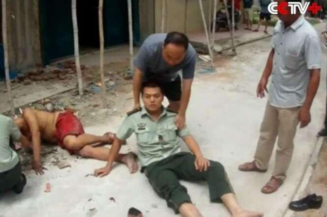Vídeo flagra momento em que policial usa o próprio corpo para impedir que suicida atinja o chão