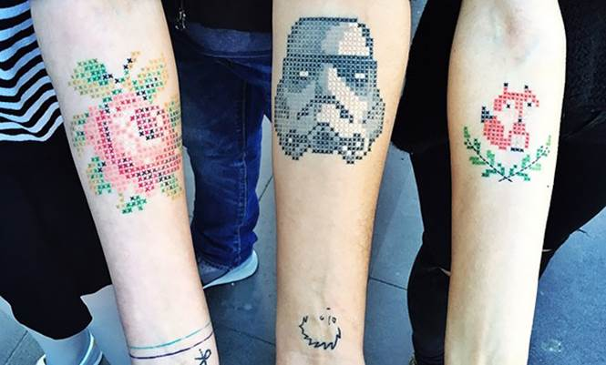 Tatuagem ponto cruz