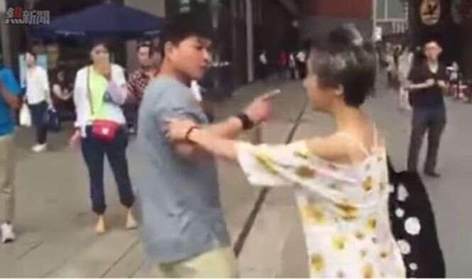 Homem fica furioso ao conhecer pessoalmente mulher com quem conversava pela internet