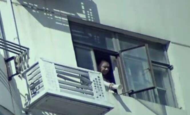Homem é preso depois de ser flagrado jogando fezes em vizinhos da janela de seu apartamento
