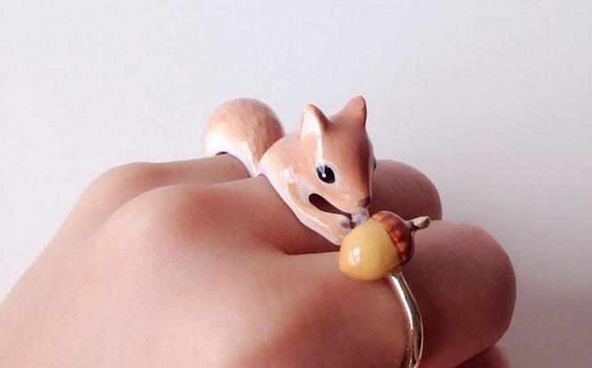 Anéis se transformam em animais quando são usados juntos
