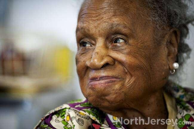 Idosa de 110 anos afirma que segredo para longevidade é beber três cervejas por dia
