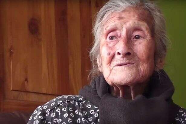 Idosa de 91 anos de idade descobre que está grávida há mais de 60 anos