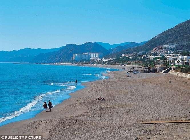 Migrante marroquino morre sufocado após tentar entrar na Espanha dentro de mala