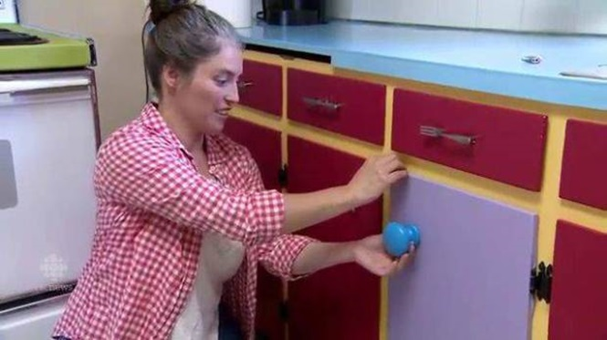 Woman recreates Simpsons kitchen in her own home Credit: CBC News