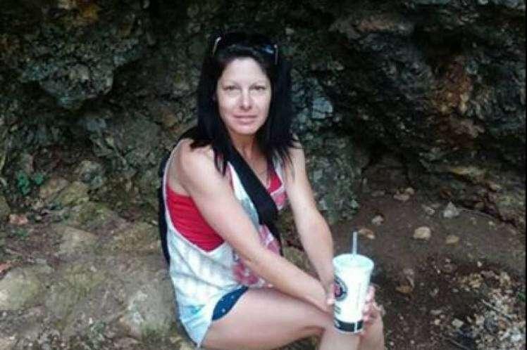 Mulher tem braços e pernas amputados após ser picada por carrapato