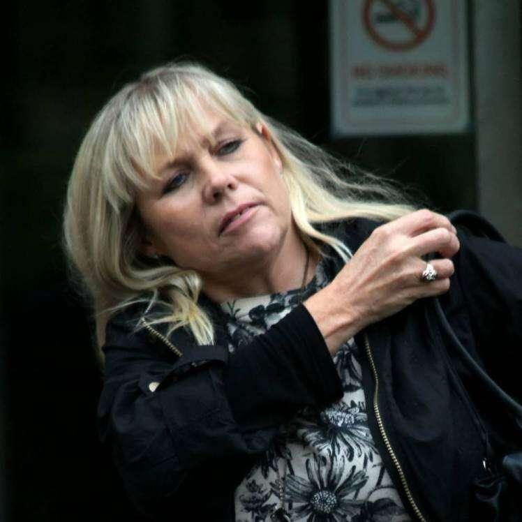 Mulher morreu de falência múltipla de órgãos após tropeçar em gatinho de estimação