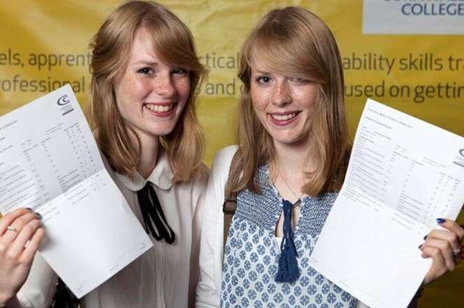 Irmãs gêmeas idênticas conseguem a mesma nota para o mesmo curso na mesma universidade