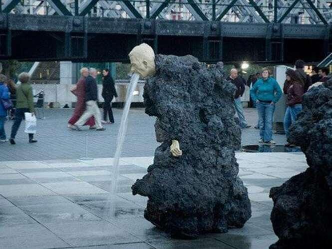 As estátuas mais estranhas encontradas pelo mundo