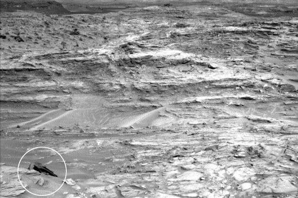 Nave espacial aparentemente igual à do filme Star Wars é vista em Marte