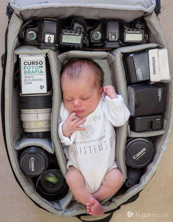 Bebê em mala