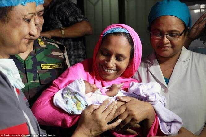Imagens comoventes mostram encontro de mãe com bebê pela primeira vez
