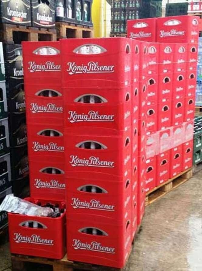 Ladrões invadem cervejaria e deixam mais de mil garrafas de cerveja abertas ao roubar tampinhas