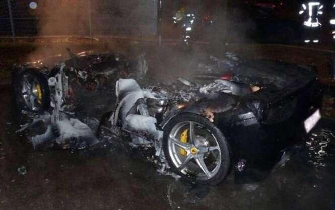Filho de milionário coloca fogo em Ferrari para tentar conseguir carro mais novo