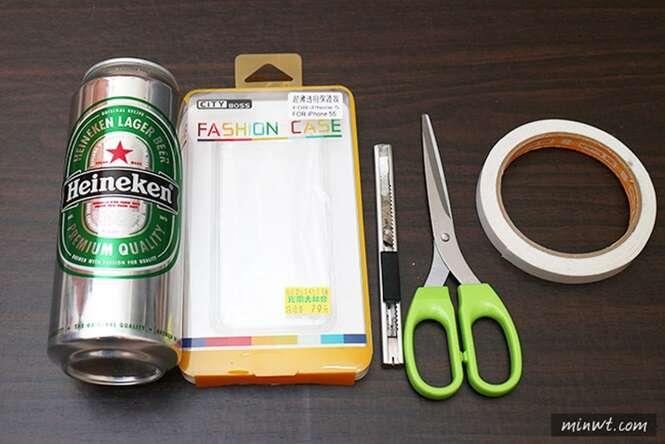 Imagens ensinam como transformar lata de bebida em case para celular