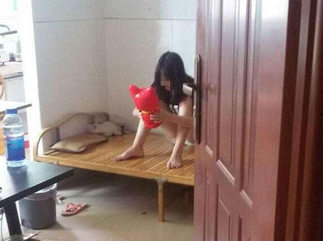 Pai descobre que filha de 13 anos é garota de programa ao ler mensagens no celular da menina