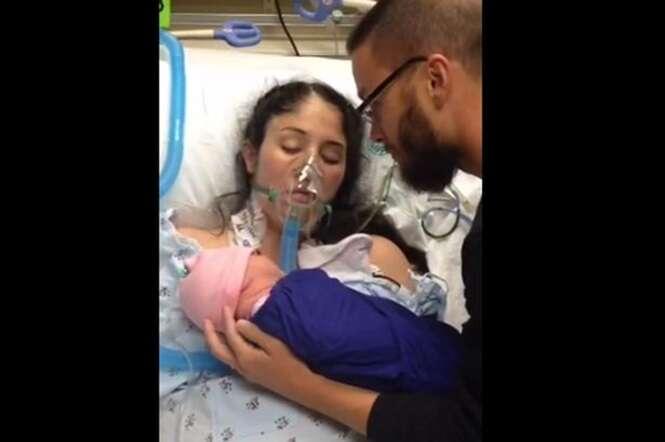 Mulher dá à luz, entra em coma e retoma consciência após seu bebê começar a chorar em seu peito
