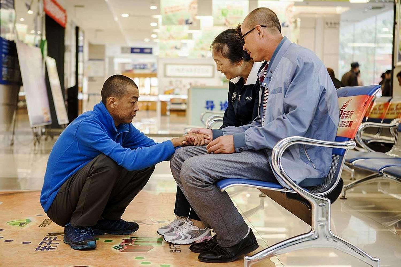 Estou doando um olho para o meu pai para que ele possa ver de novo!