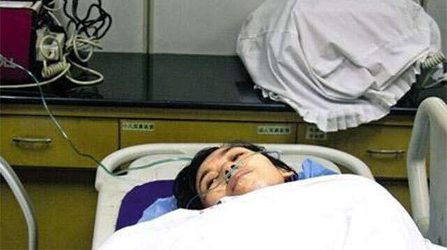Mulher é atingida por raio e escapa da morte graças a seu sutiã