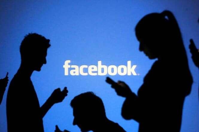 Pessoas que possuem muitos seguidores no Facebook são mais propensas a sofrerem danos psicológicos