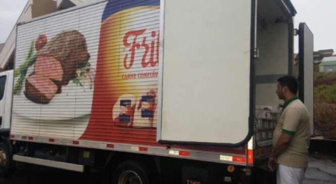 Maconha avaliada em R$ 232 mil é apreendida dentro de caminhão da Friboi