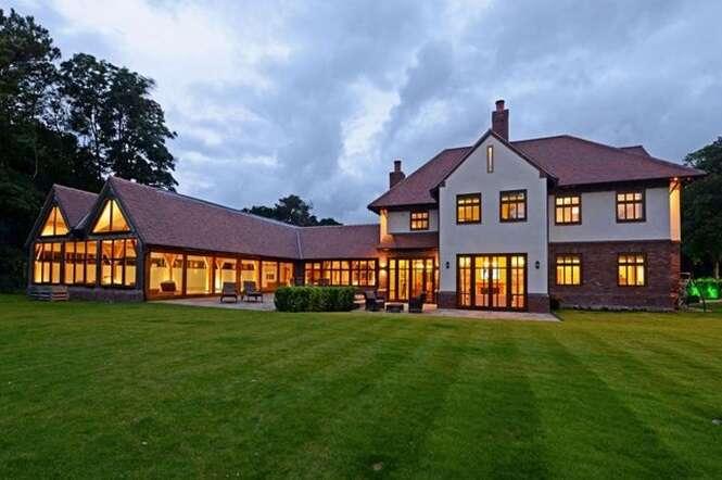 Por dentro de uma mansão inglesa avaliada em 73 milhões de reais