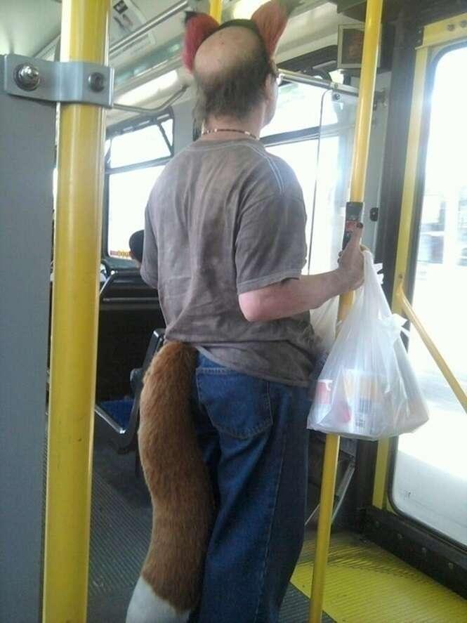 Coisas estranhas que acontecem apenas no transporte público