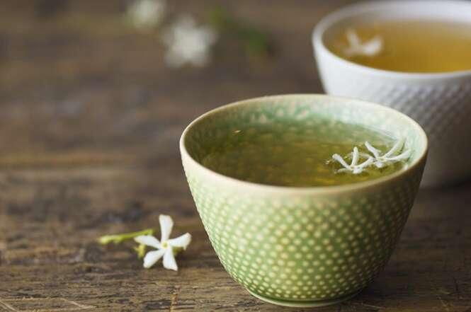 Adolescente fica amarela após beber 3 xícaras de chá verde por dia