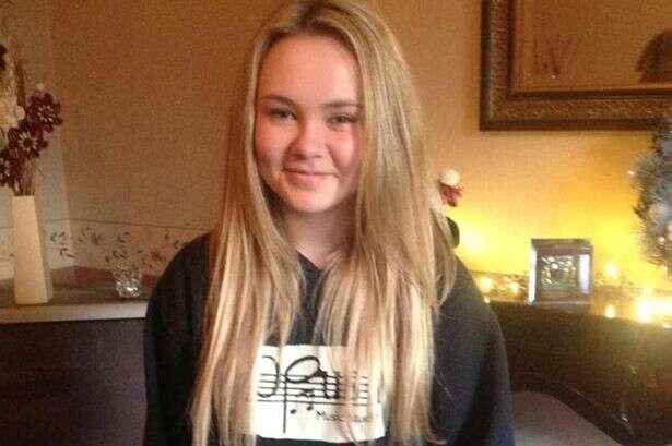 Jovem de 13 anos morre após contrair doença com absorvente interno