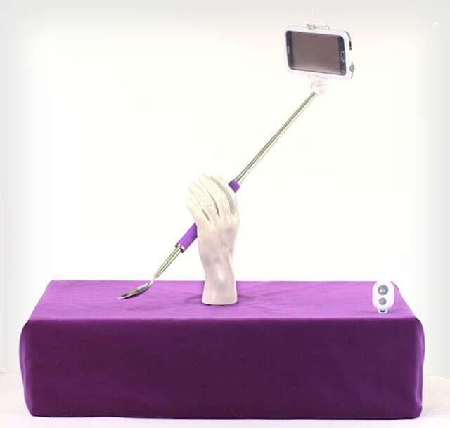 Depois do pau de selfie, é a vez da colher de selfie