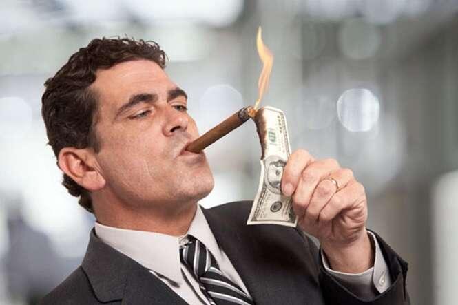 Coisas que provam que o dinheiro pode fazer com que as pessoas se tornem completos babacas