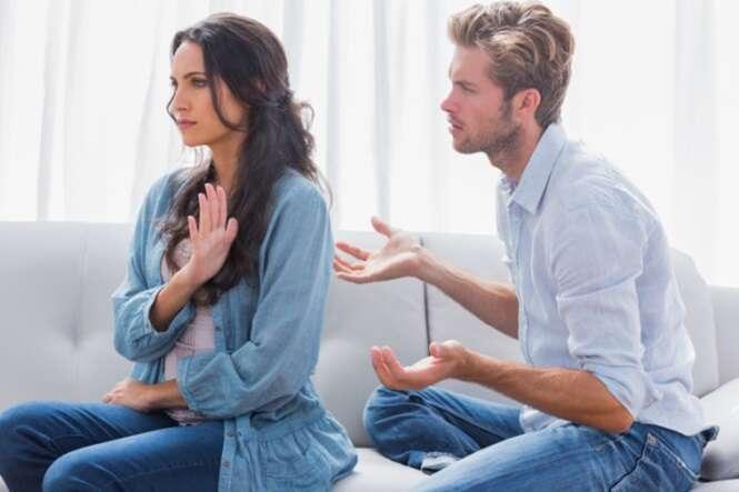 """Atitudes consideradas grosseiras que podem dar benefícios aos """"mal-educados"""""""