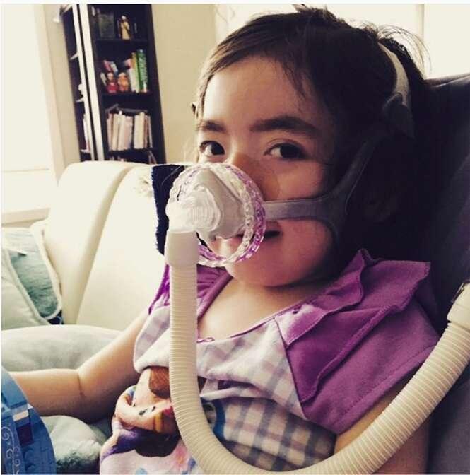 Menina de 5 anos que passou toda a vida lutando contra doença incurável escolhe morrer ao infrentar mais tratamentos no hospital