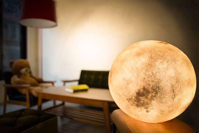 Já pensou em ter a lua dentro de seu quarto?