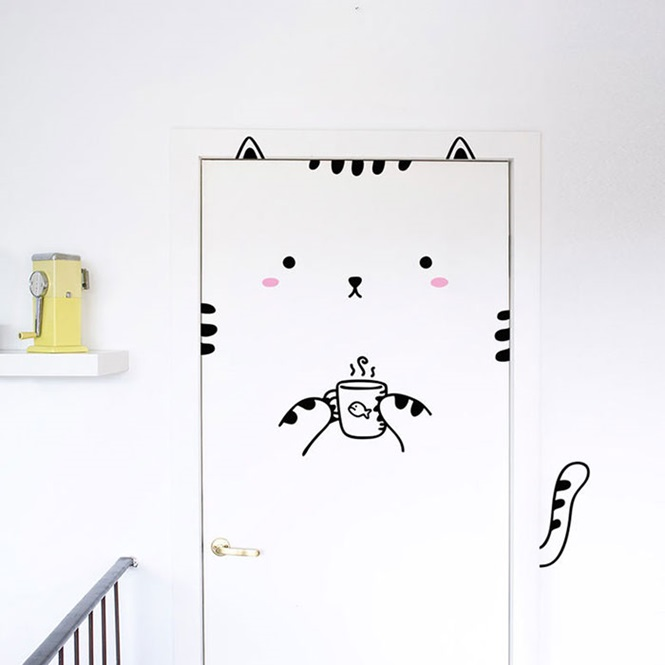 Adesivos para portas deixa sua casa mais divertida