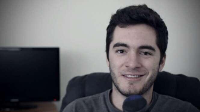 Jovem compra incrível mansão com dinheiro que juntou postando no YouTube vídeos dele jogando Minecraft
